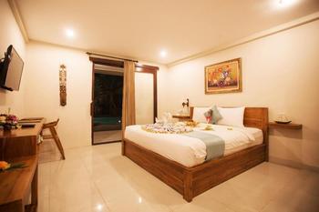 Asri Sari Resort Bali - Honeymoon Deluxe Room Pool View Regular Plan
