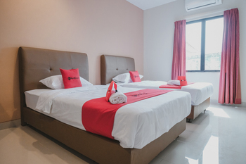 RedDoorz Plus near Ferry Terminal Batam Center Batam - RedDoorz Twin Room Gajian