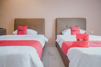 RedDoorz Plus near Ferry Terminal Batam Center Batam - RedDoorz Twin Room with Breakfast Gajian