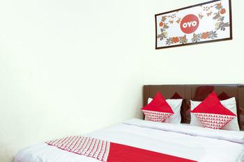 OYO 314 Emas 23 Guest House Syariah Malang - Standard Double Regular Plan