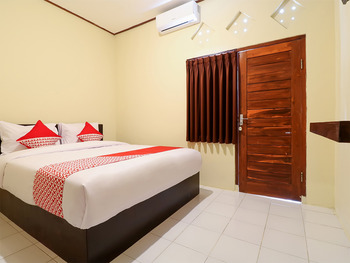 OYO 2367 Kenanga Homestay Bali - Standard Double Room Regular Plan