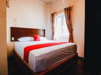 RedDoorz near Halim Perdanakusuma 3 Jakarta - RedDoorz Room with Breakfast Regular Plan
