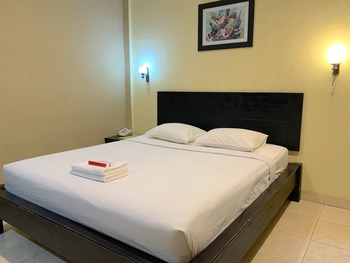 Parma City Hotel Pekanbaru - Standard Room Regular Plan