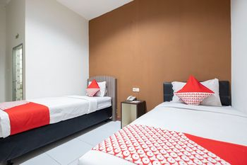 OYO 2552 Hotel Permata Makassar - Standard Twin Room Regular Plan
