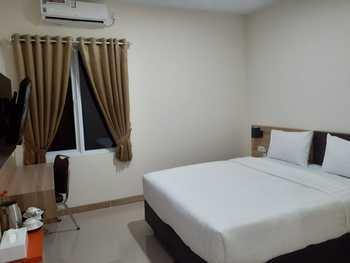 Garden Hotel Majalengka Majalengka - Superior Double Room Regular Plan