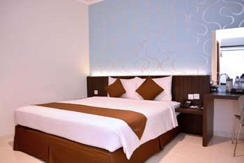 Hotel 88 Embong Kenongo Surabaya - Deluxe King With Breakfast HOT DEAL !