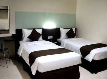 Hotel 88 Embong Kenongo Surabaya - Superior Twin Room with Breakfast HOT DEAL