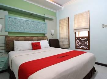 RedDoorz Plus near Tugu Jogja 2 - RedDoorz Superior Room Last Minute