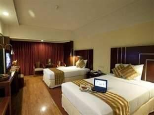 Hotel Savoy Homann Bandung - Deluxe Twin Room Only (Without Breakfast) Regular Plan