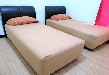 RN Guest House Banjarbaru - Standard Twin Room Only Regular Plan