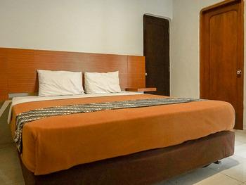 Airlangga Hotel & Restaurant Jogja - Deluxe Double with Balcony (Room Only) Regular Plan