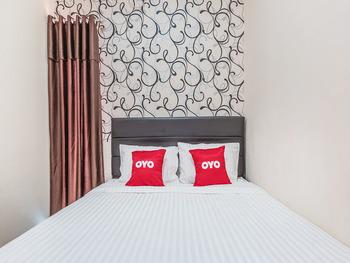 OYO 1742 Safa Alya Bekasi - Suite Double Regular Plan