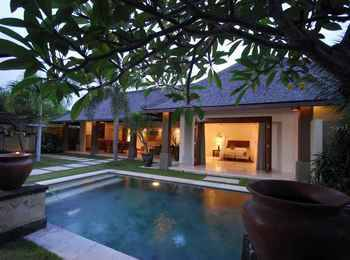 Grand Avenue Boutique Villas