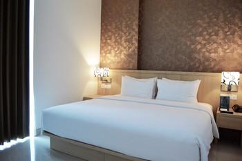 Hotel Santika Gresik Gresik - Deluxe Suite King Room Ramadhan Offer Regular Plan