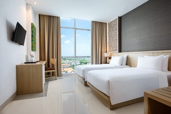 Hotel Santika Gresik Gresik - Superior Twin Room Staycation Offer Regular Plan