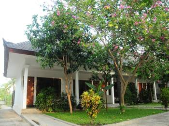 Mirah Hotel Banyuwangi - Deluxe Bungalow Regular Plan
