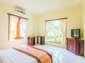 Mirah Hotel Banyuwangi - Akoya Private Pool Room Regular Plan