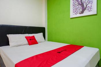 RedDoorz @ Double Tree Guest House Banyumas - RedDoorz Room with Breakfast 2N Min Stay