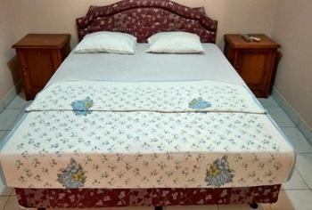 Hotel Al-Barokah Yogyakarta Yogyakarta - Deluxe Room Breakfast Regular Plan