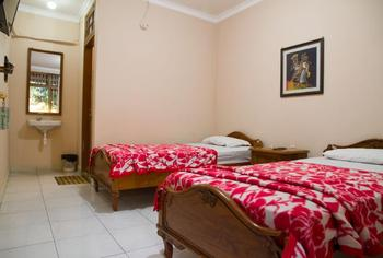 Hotel Al-Barokah Yogyakarta Yogyakarta - Superior Room Breakfast Regular Plan