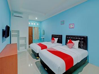 OYO 90354 Ndalem Sabine Syariah Jogja - Standard Twin Room Early Bird Deal