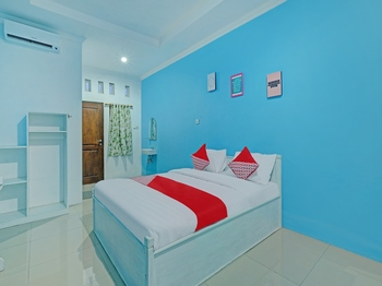 OYO 90354 Ndalem Sabine Syariah Jogja - Standard Double Room Promotion