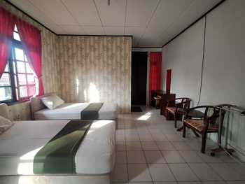 Hotel Lembah Nyiur Cikopo Puncak - Superior Twin Room AntiBoros