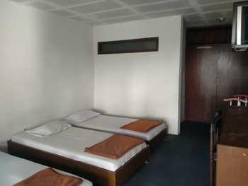 Hotel Lembah Nyiur Cikopo Puncak - Triple Room AntiBoros