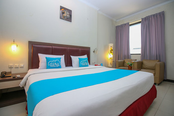 Airy Mandonga Saranani 168 Kendari - Deluxe Double Room Only Regular Plan