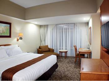 Hotel Horison Ultima Bekasi - Deluxe Room With Breakfast Regular Plan
