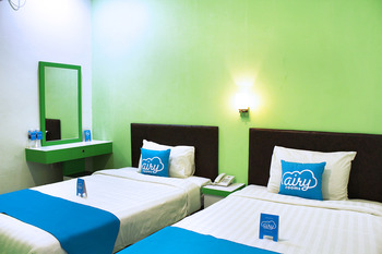 Airy Greenland Ahmad Yani Batam - Superior Twin Room with Breakfast Special Promo 5