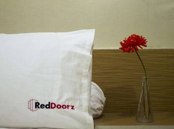 RedDoorz near Siloam Karawaci Jakarta - RedDoorz Twin Room Regular Plan