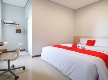 RedDoorz Plus Syariah near Mall Pondok Indah Jakarta - RedDoorz Room LM 2