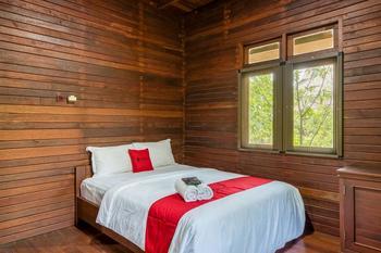 RedDoorz Resort @ Taman Wisata Mangrove Jakarta - RedDoorz Room Gajian