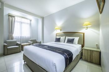 OYO 2329 Hotel Nyland 3 Cijagra Bandung - Standard Double Room Regular Plan