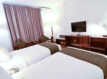 Gumilang Regency Hotel Bandung - Superior Twin With Breakfast Deal Of The Day 20%