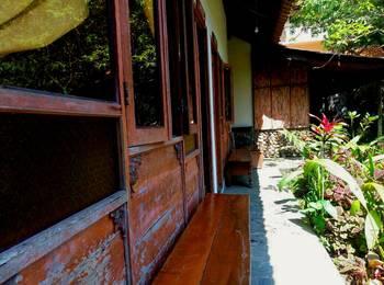 Imah Seniman Bandung - Standard Serenity New Deal