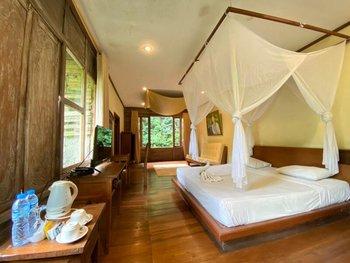 Imah Seniman Bandung - Suite Garden View Room Only Regular Plan