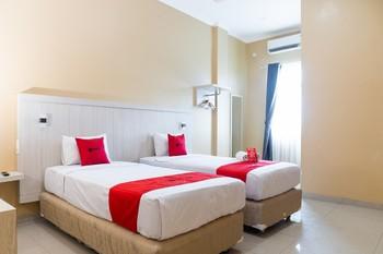 RedDoorz near Sultan Mahmud Badaruddin Airport Palembang Palembang - RedDoorz Premium Twin Basic Deal