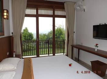 Jimmers Mountain Resort Bogor - Superior Room with Breakfast Regular Plan