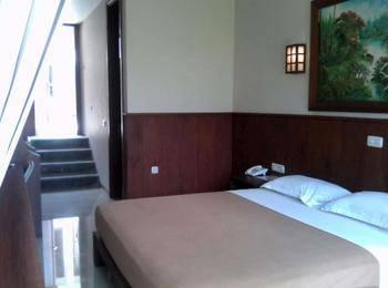 Jimmers Mountain Resort Bogor - Superior Room with Breakfast Regular Plan