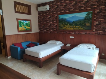 Jimmers Mountain Resort Puncak - Charleston Executive Room Only Regular Plan