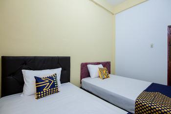 SPOT ON 2076 Hotel Stadion Karo - Standard Twin Room Last Minute