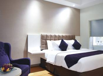 Platinum Balikpapan Hotel And Convention Hall   - Deluxe Queen Bed Room PlatinuMomenT