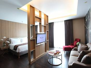 Swiss-Belhotel Airport Jakarta - Business Suite with Breakfast Regular Plan