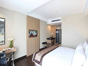 Swiss-Belhotel Airport Jakarta - Deluxe Queen Room with Breakfast  Min 2Ns - 15% OFF