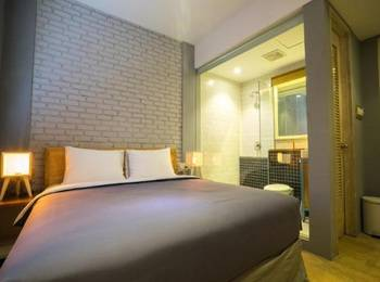 Summerbird Bed and Brasserie Bandung - Superior Twin Or Double With Free Breakfast And Internet AC Weekdays