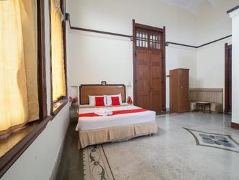 RedDoorz @ Lawang Malang - Deluxe Room LMD