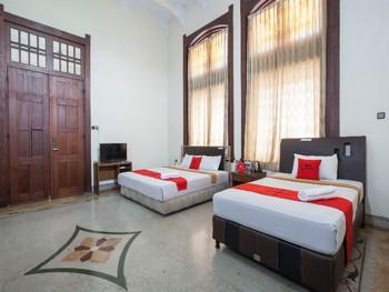 RedDoorz @ Lawang Malang - RedDoorz Family Room with Breakfast Regular Plan