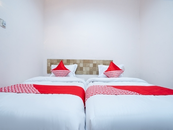 OYO 2285 Art Guest House Syariah Near RSUD Kota Yogyakarta Yogyakarta - Standard Twin Room Regular Plan